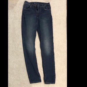 3/20 Levis high waisted skinny jeans